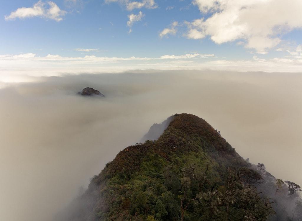 Săn mây đẹp ngất ngây ở đỉnh núi Tà Xùa