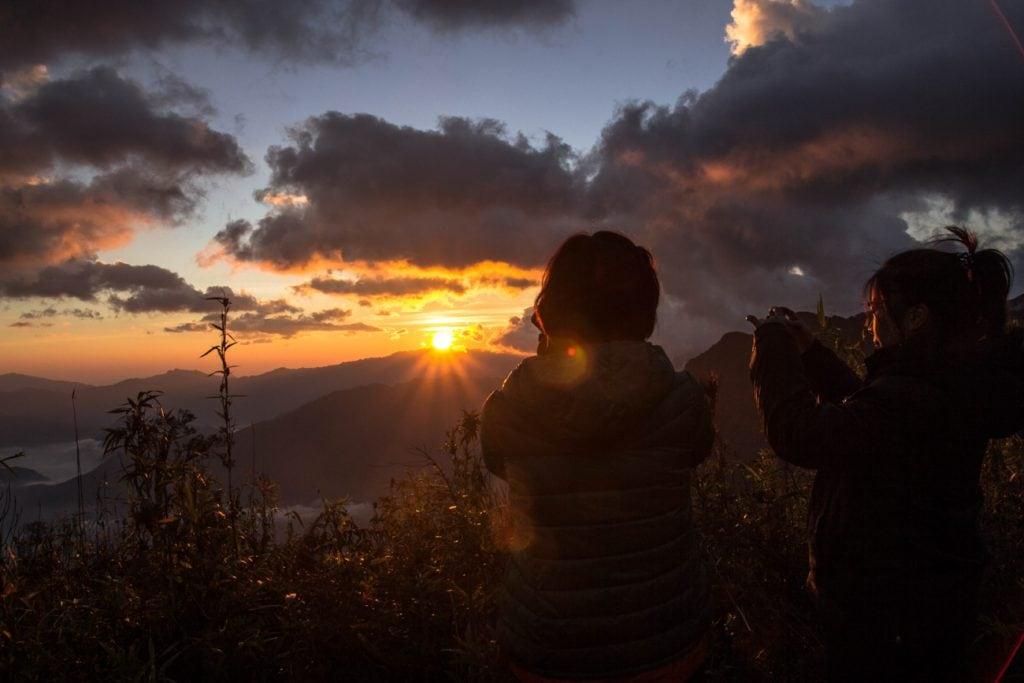 Săn mây trên đỉnh Tà Xùa
