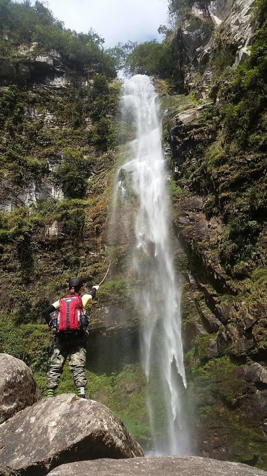 trekking núi Ngũ Chỉ Sơn