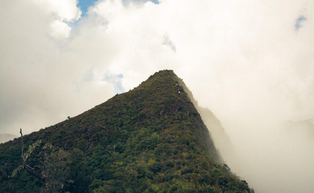 Tà Xùa - vẻ đẹp giữa biển mây