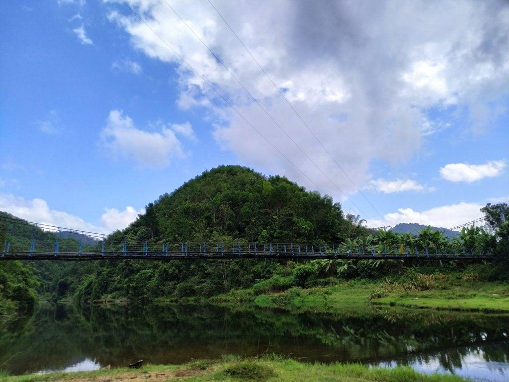 Cây cầu A Vương