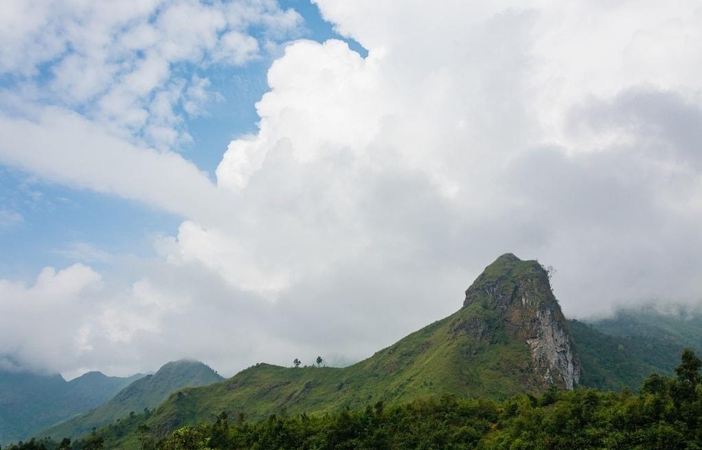 Trekking chinh phục đỉnh núi Nam Kang Ho Tao