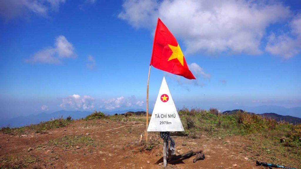 Tour trekking leo núi chinh phục và khám phá Tà Chì Nhù