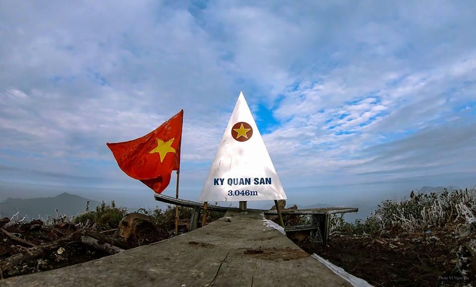 Đỉnh núi ở Lai Châu
