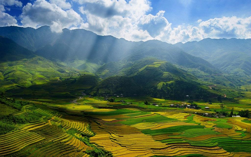 Trekking săn mây trên đỉnh Pù Luông