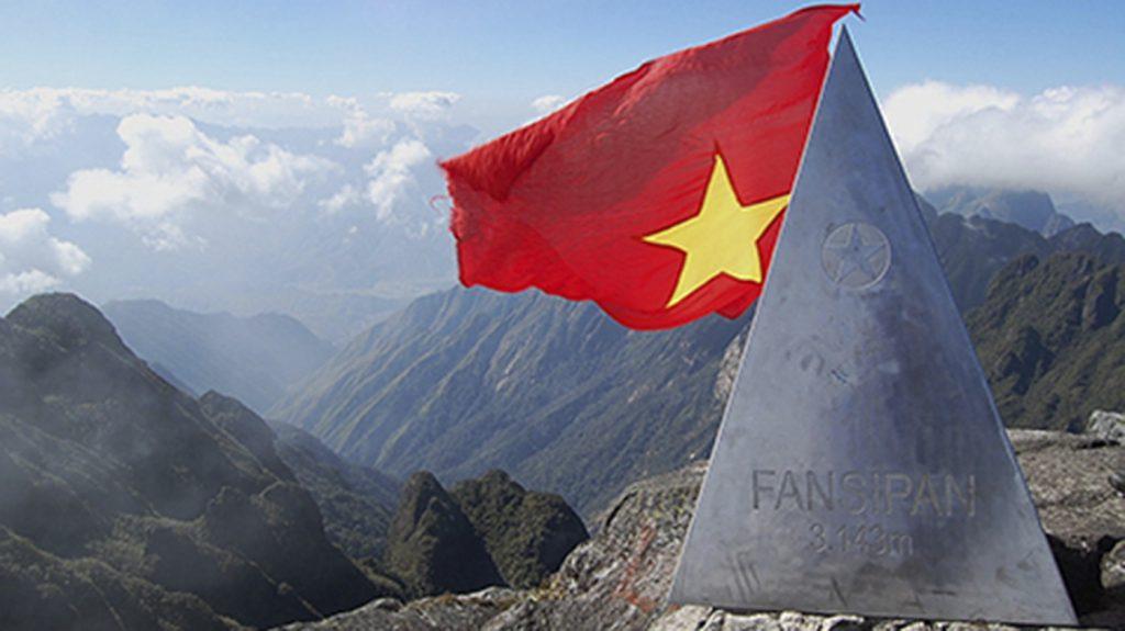 Ghi dấu ấn trên đỉnh Fansipan