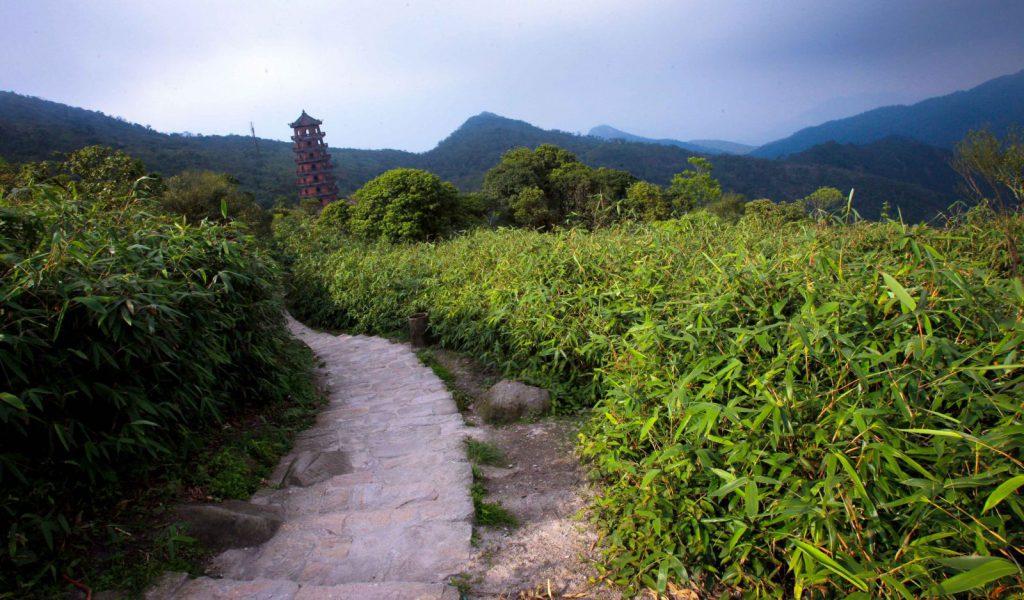 núi hùng vĩ ở Việt Nam