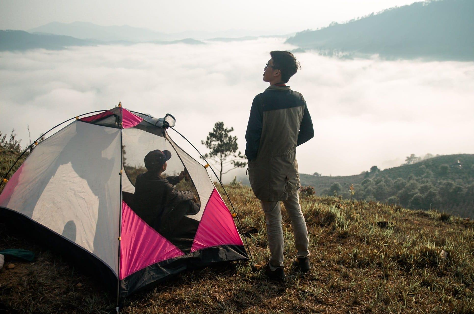 Cắm trại đêm ngắm dải ngân hà và săn mây Đà Lạt