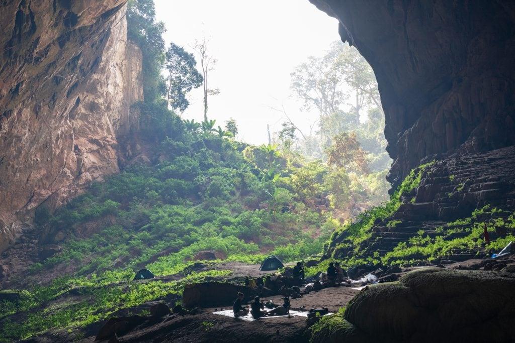 Toàn bộ khung cảnh của hang Pygmy