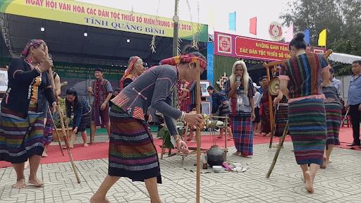 Nét văn hóa truyền thống của dân tộc Bru - Vân Kiều