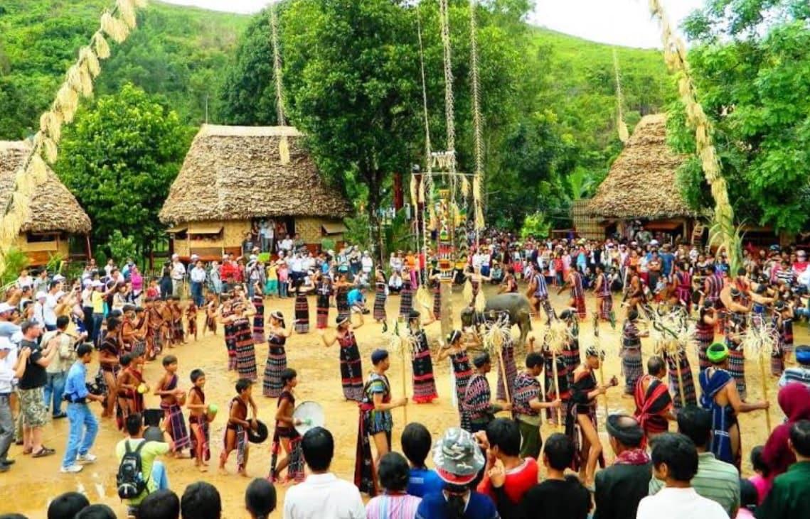 Dân tộc Cơ Tu ở vùng núi