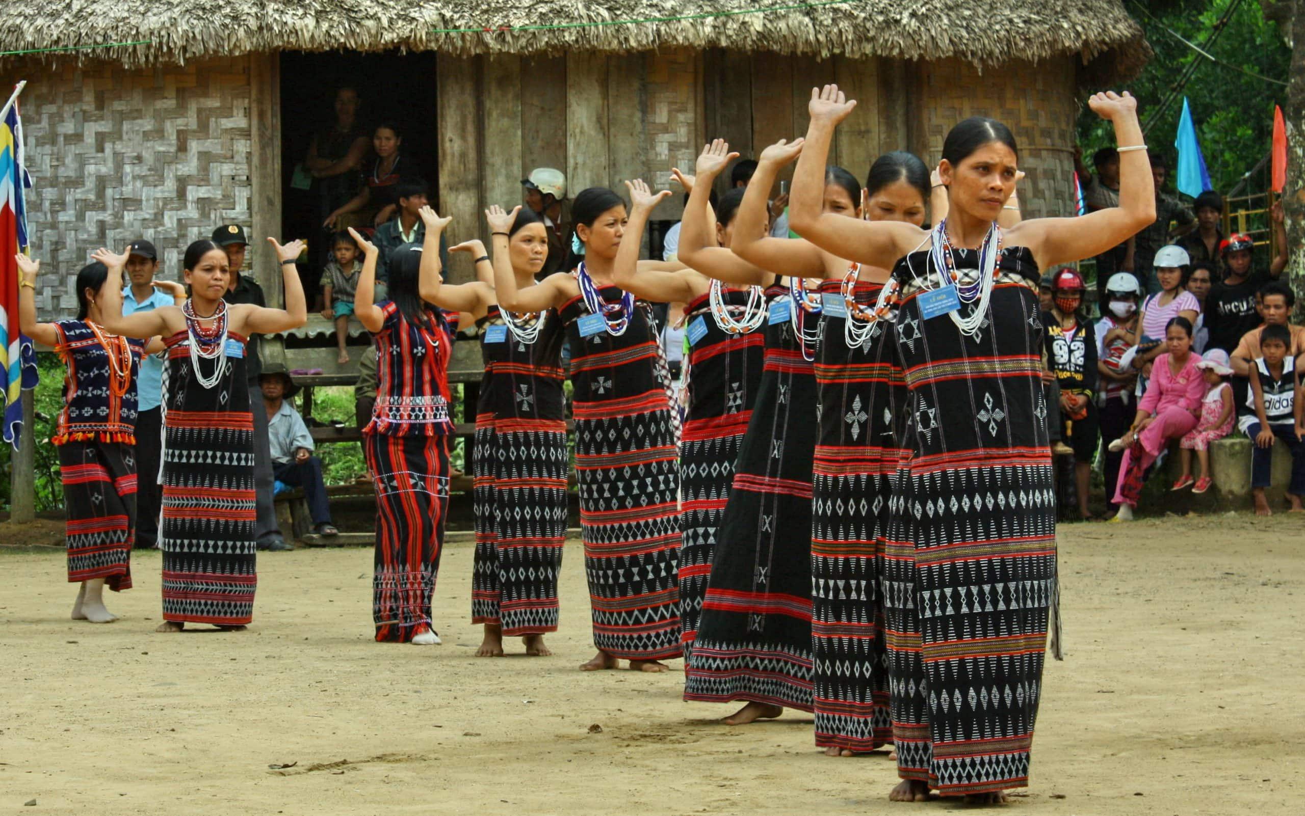 Bí ẩn vũ điệu dâng trời của dân tộc Cơ Tu
