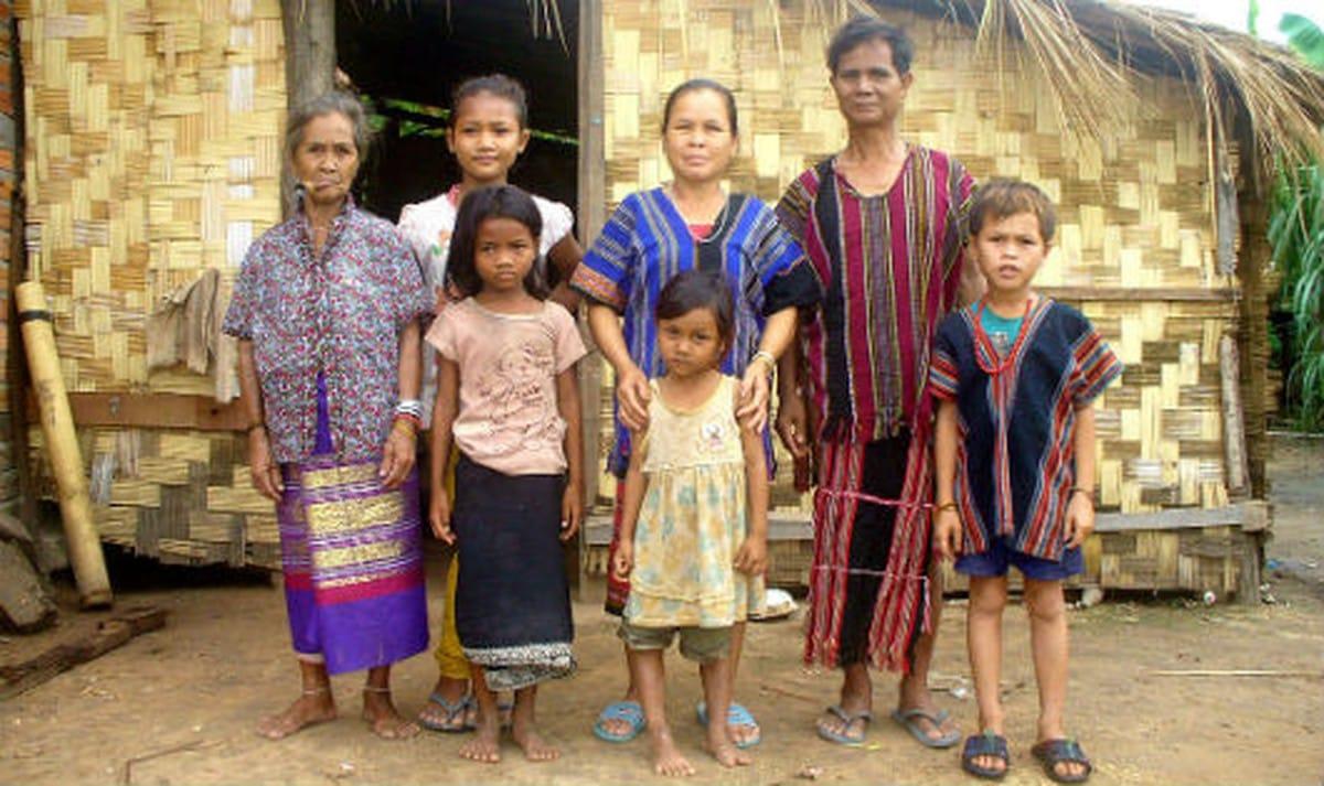 Trang phục của dân tộc Bru - Vân Kiều