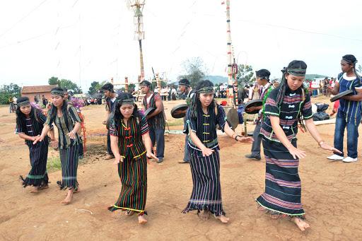 Điệu múa dân gian của người K'ho
