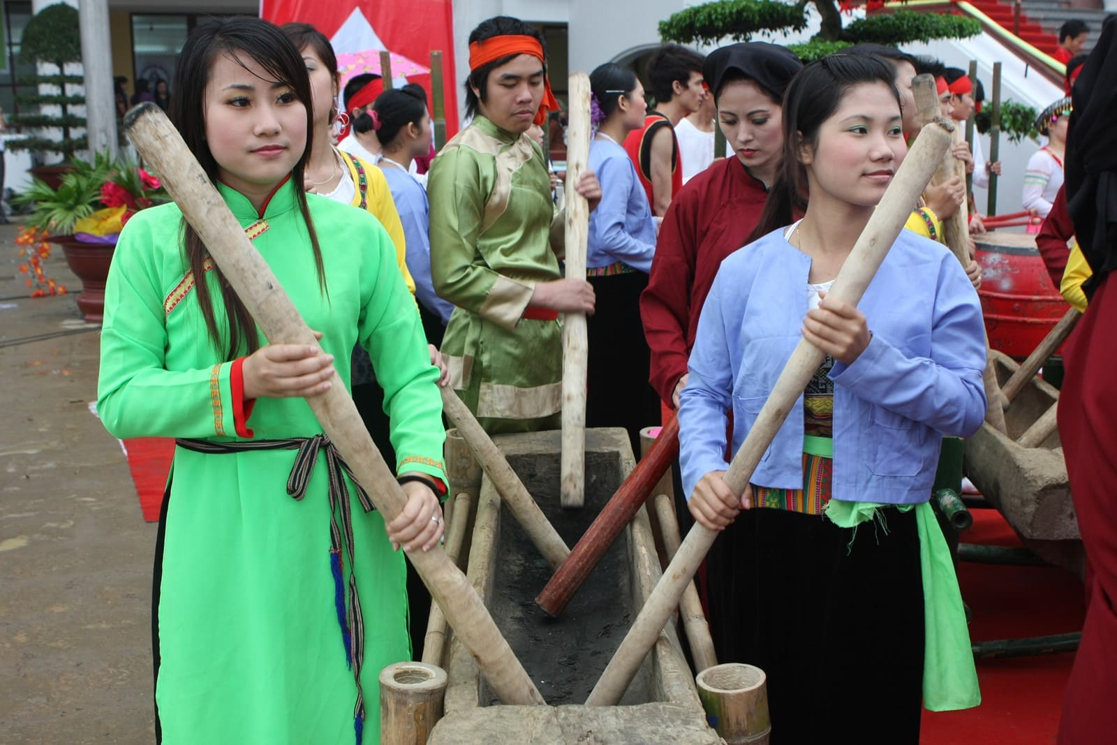 Lễ hội đâm đuống được dịp Tết Nguyên đán