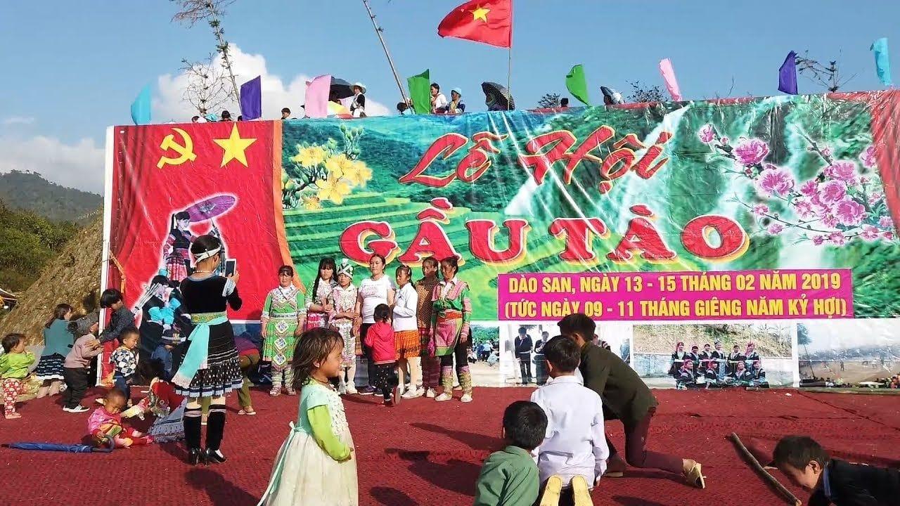 Lễ hội được tổ chức vào mùa xuân