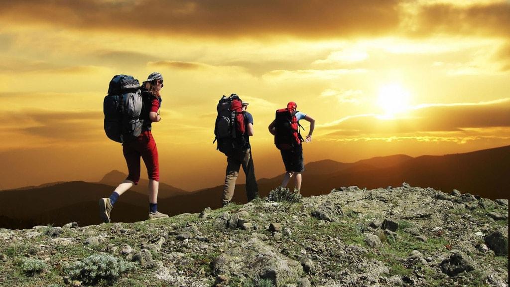 Tất tần tật những phụ kiện cần thiết khi đi trekking