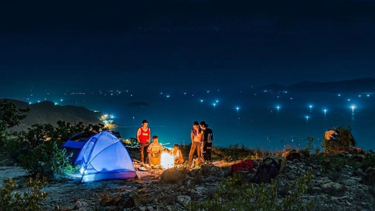 Review tour cắm trại săn mây ở đồi Dasar - Đà Lạt