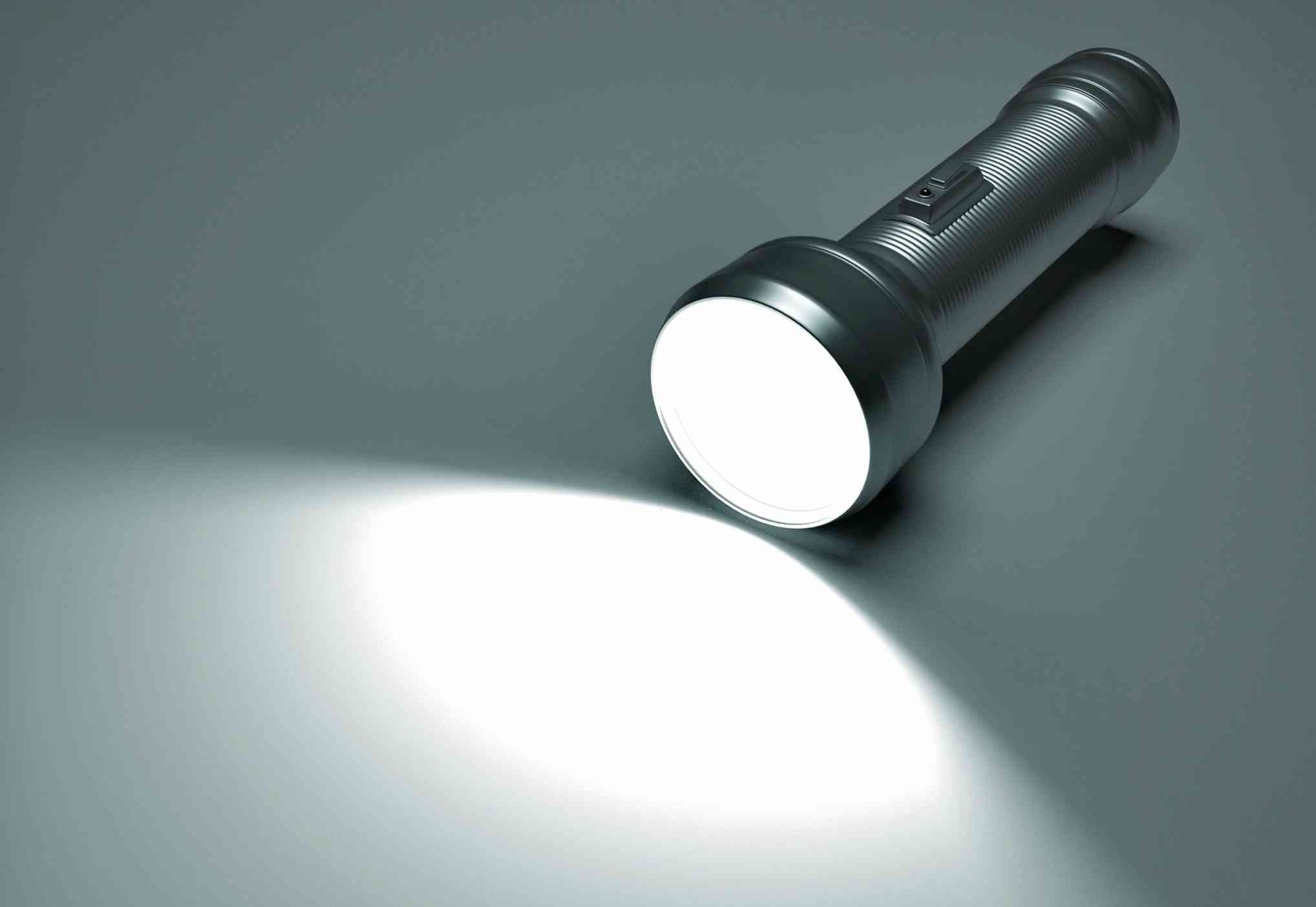 Hướng dẫn cách lựa chọn đèn pin du lịch