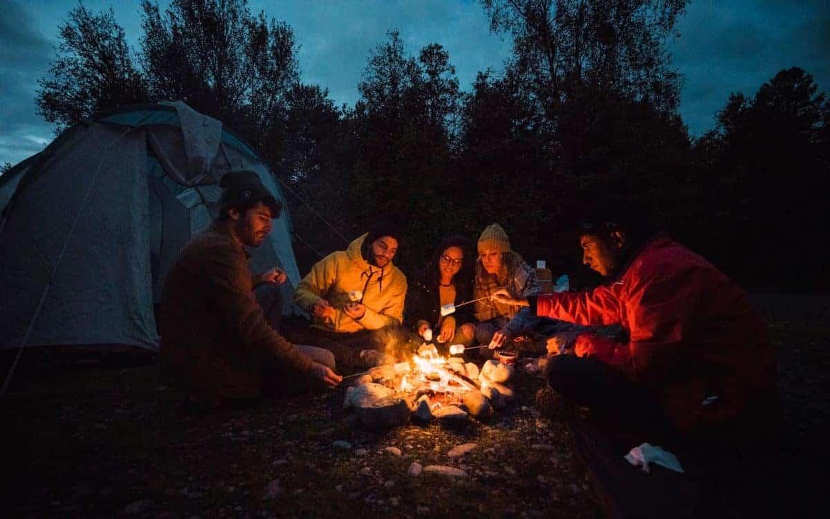 Cần ghi nhớ gì khi đi cắm trại qua đêm?