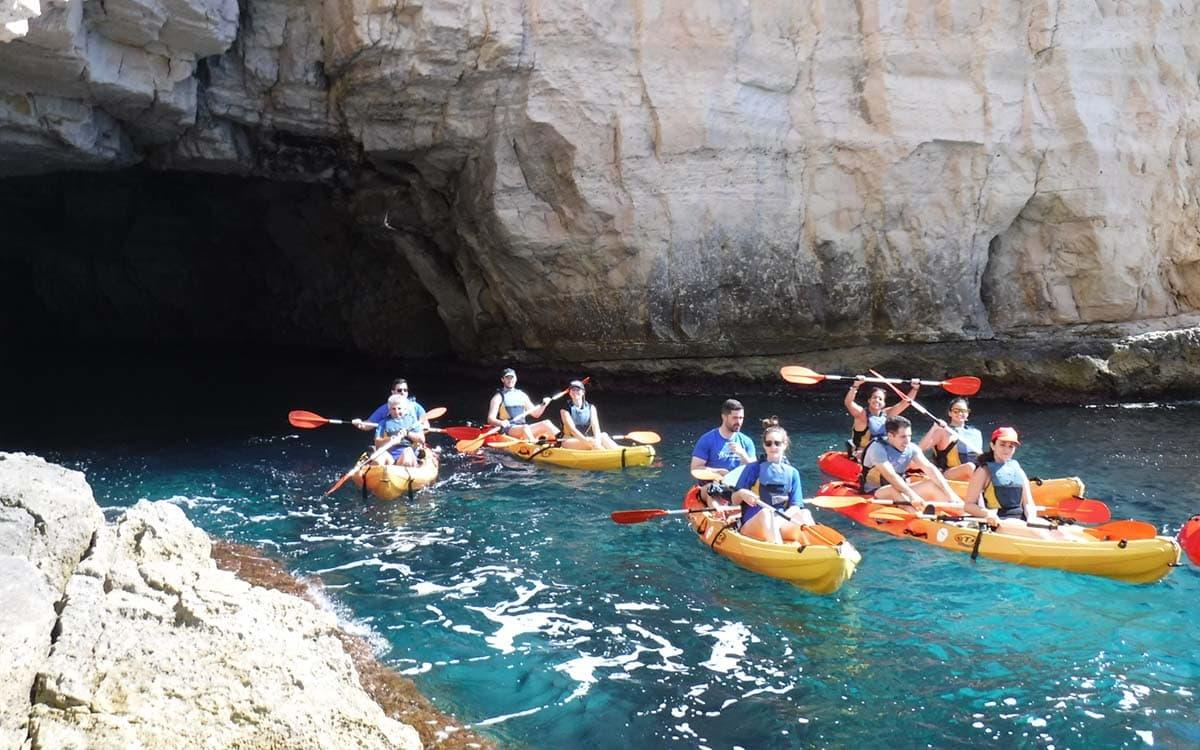 Hướng dẫn chi tiết chèo thuyền Kayak với trẻ nhỏ