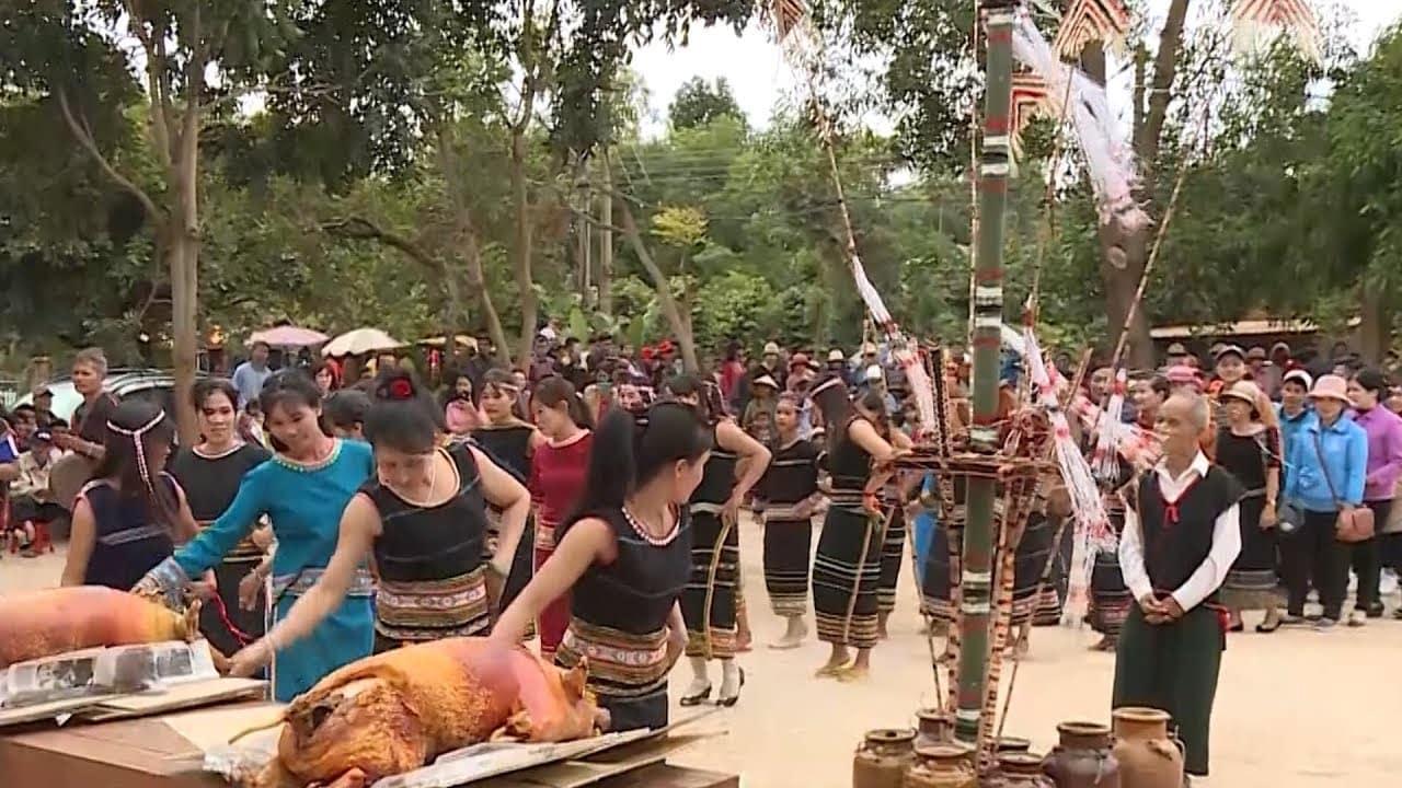 Lễ hội nổi tiếng của người Xơ Đăng ở núi Ngọc Linh
