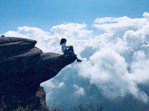 leo núi Pha Luông