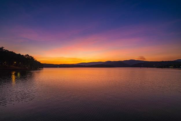 cắm trại hồ Tuyền Lâm
